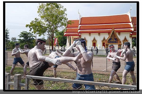 泰國《Amphawa安帕瓦水上市場》五廟遊船_泰拳公園1.jpg