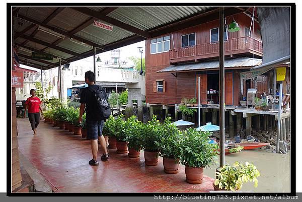 泰國夜功府《Baanrak Amphawa安帕瓦巴安拉克家庭旅館》民宿位置2.jpg