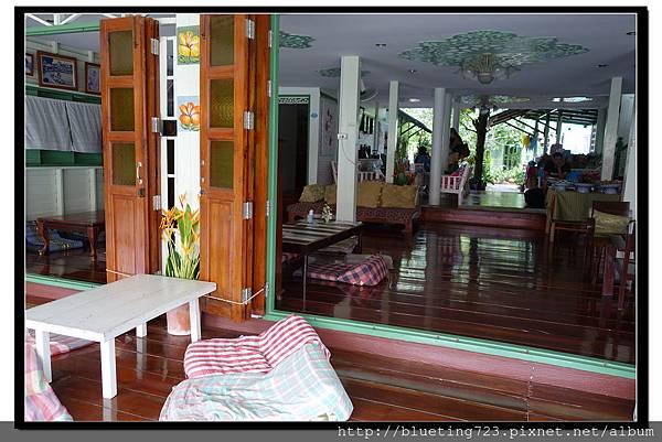 泰國夜功府《Baanrak Amphawa安帕瓦巴安拉克家庭旅館》民宿21.jpg