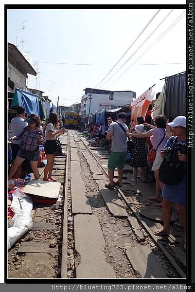 泰國《Maeklong美功鐵到市場》8.jpg