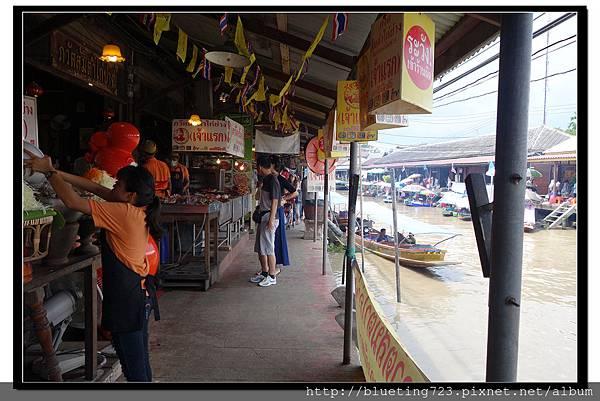 泰國《Amphawa安帕瓦水上市場》公雞海鮮攤.jpg