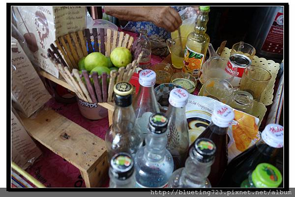 泰國《Amphawa安帕瓦水上市場》紙袋汽水2.jpg