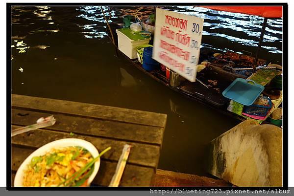 泰國《Amphawa安帕瓦水上市場》船家炒河粉2.jpg