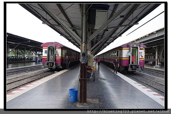 泰國大城府《邦芭茵夏宮Bang Pa-in》火車1.jpg