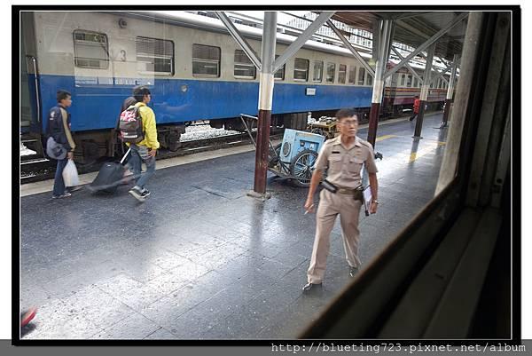 泰國大城府《邦芭茵夏宮Bang Pa-in》火車3.jpg