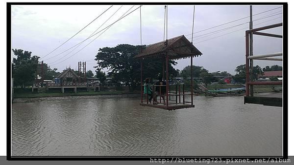 泰國大城府《安娜教堂Wat Niwet Thammaprawat》渡河流籠10.jpg