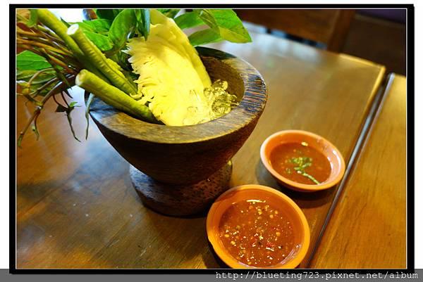 泰國曼谷《Central World 》KUMPOON 生菜.jpg