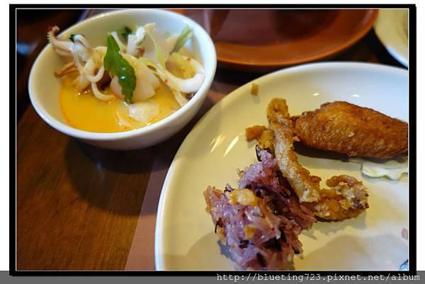 泰國曼谷《Central World 》KUMPOON 菜色.jpg