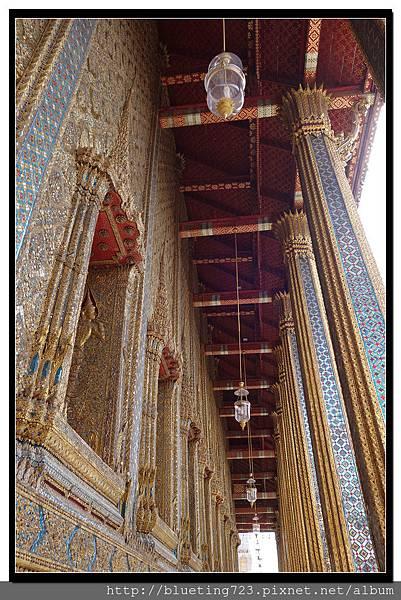 泰國曼谷《大皇宮》大雄寶殿(玉佛寺)屋簷.jpg