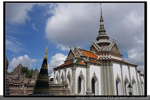 泰國曼谷《大皇宮》尖頂佛塔.jpg