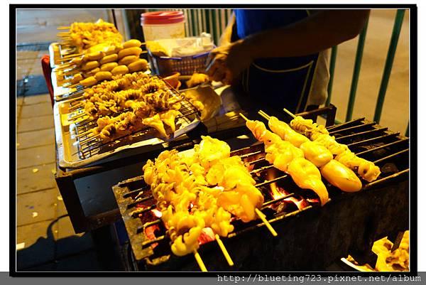 泰國曼谷小吃《泰式燒烤》烤花枝.jpg