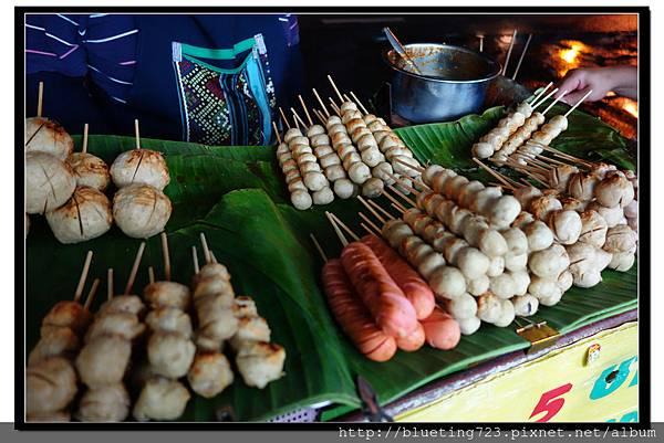 泰國曼谷小吃《烤丸子》.jpg
