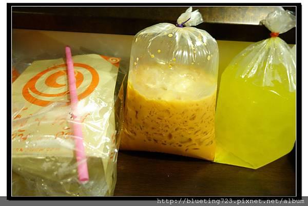 泰國曼谷小吃《紙袋飲料》2.jpg