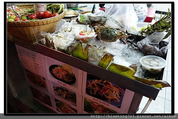 泰國曼谷小吃《涼拌海鮮》1.jpg