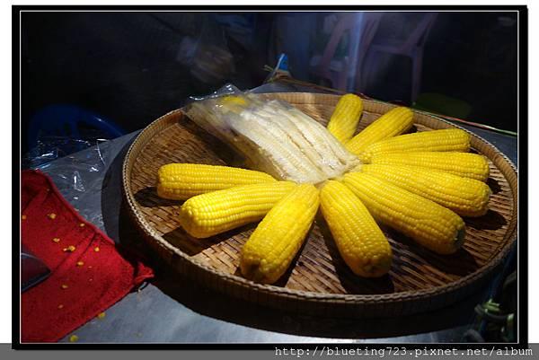 泰國曼谷小吃《煮玉米》.jpg