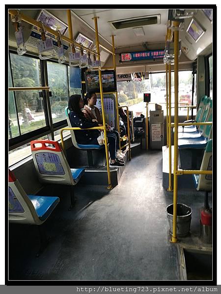 雲南麗江《古城與旅遊交通》公交車(公車) 4.jpg