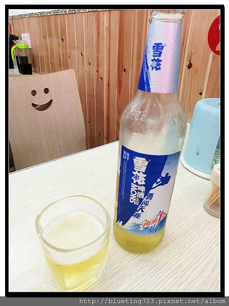 雲南麗江《南門燒烤》4 雪花啤酒.jpg