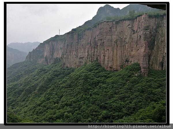 河南輝縣《萬仙山景區》絕壁長廊12.jpg