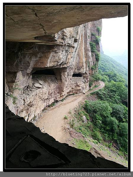 河南輝縣《萬仙山景區》絕壁長廊14.jpg
