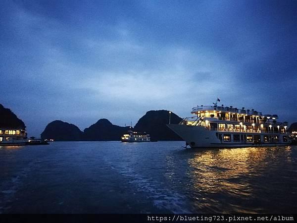 越南《下龍灣Halong Bay》1.jpg