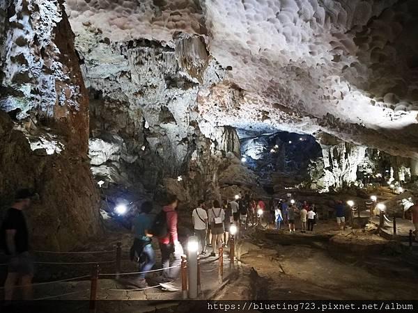 越南《下龍灣Halong Bay》驚訝洞Surprising Cave 3.jpg