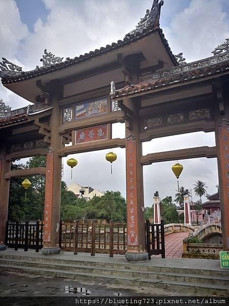 越南‧會安Hoi An《會安古城》孔子廟1.jpg
