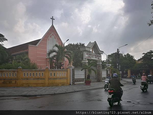 越南‧會安Hoi An《會安古城》粉紅小教堂.jpg