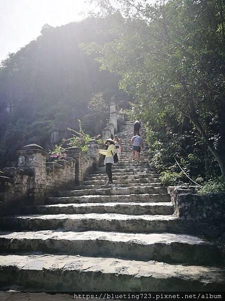 越南‧寧平《陸龍灣Mua Cave》7.jpg