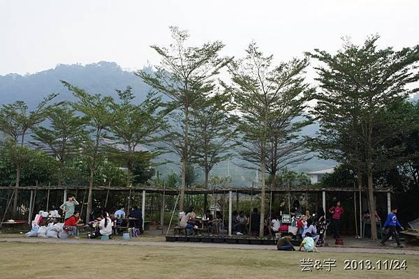 沙發后花園17.JPG