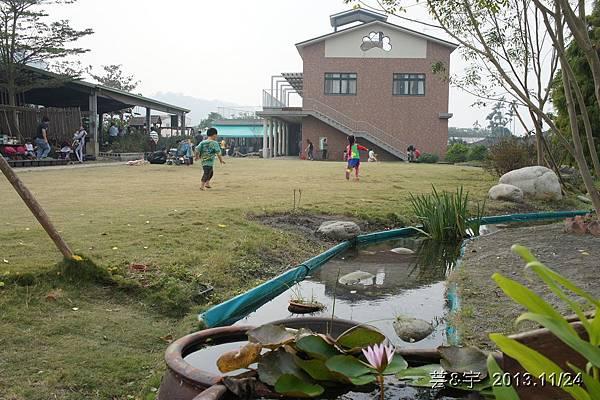 沙發后花園58.JPG