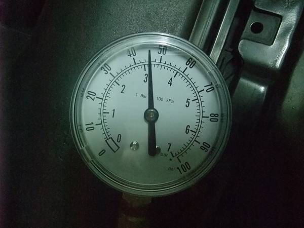 Fuel Pressure - Engine off - Drop immidiently - 1.JPG
