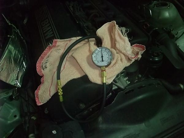 Fuel Gauge on Rail - 1.JPG