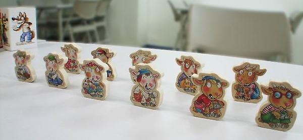 扮演小羊兒的玩家,只要有其中一人收集到七顆石頭,就算獲勝!