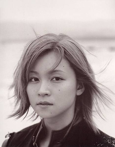 PhotoBook_Hitomi.Yoshizawa_8TEEN_004.jpg