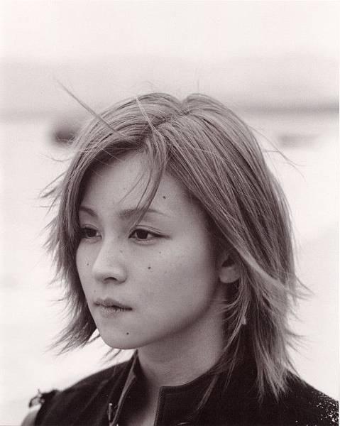 PhotoBook_Hitomi.Yoshizawa_8TEEN_007.jpg