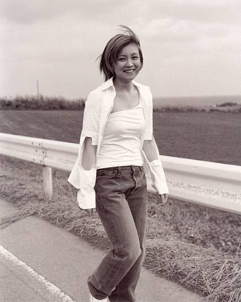 PhotoBook_Hitomi.Yoshizawa_8TEEN_025.jpg