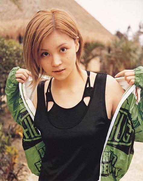 PhotoBook_Hitomi.Yoshizawa_8TEEN_030.jpg