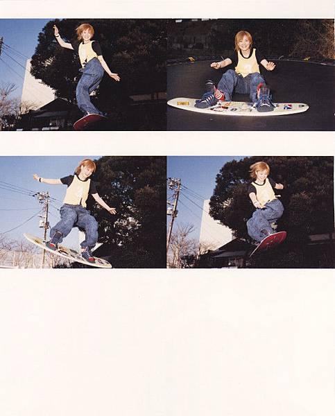 PhotoBook_Hitomi.Yoshizawa_8TEEN_059.jpg