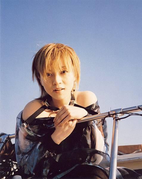 PhotoBook_Hitomi.Yoshizawa_8TEEN_074.jpg