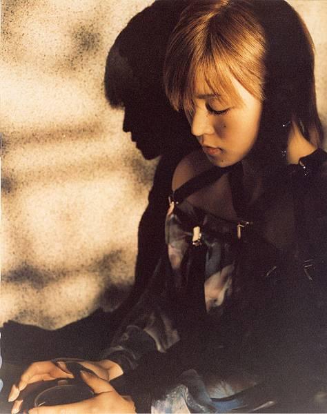 PhotoBook_Hitomi.Yoshizawa_8TEEN_079.jpg