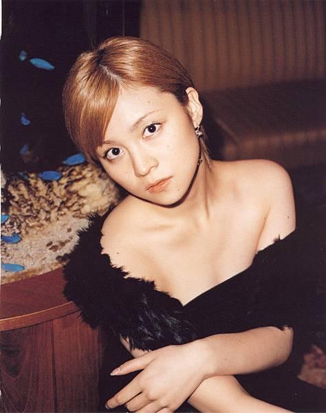 PhotoBook_Hitomi.Yoshizawa_8TEEN_085.jpg