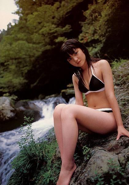 PhotoBook_Michishige.Sayumi_1ST_008.jpg
