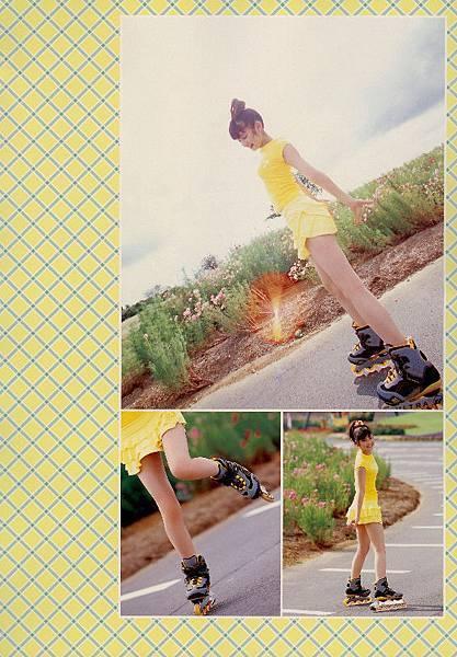 PhotoBook_Michishige.Sayumi_1ST_043.jpg