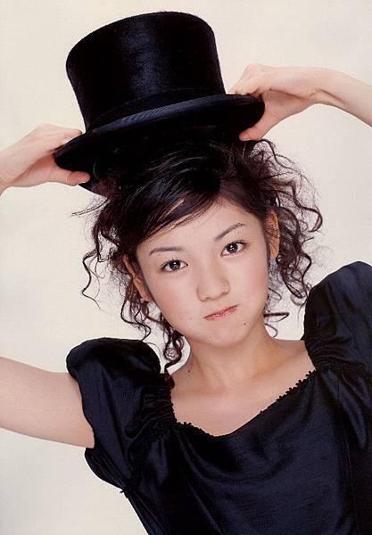 PhotoBook_Michishige.Sayumi_1ST_044.jpg