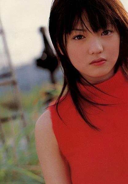 PhotoBook_Michishige.Sayumi_1ST_076.jpg