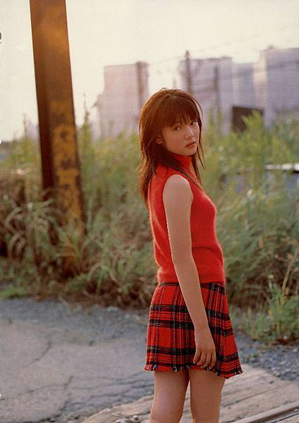 PhotoBook_Michishige.Sayumi_1ST_077.jpg