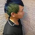 台北推薦染髮 星空色 玩童色 乾燥綠搭上海洋藍 西門町推薦染髮
