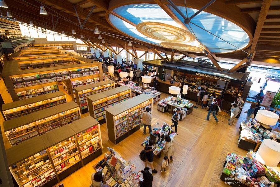 【日本。佐賀旅遊】來個文青小旅行!武雄圖書館,瀰漫著書香與咖啡香的幸福味道。