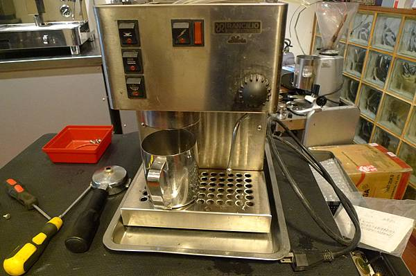 咖啡機保養 RANCILIO SILVIA 完工
