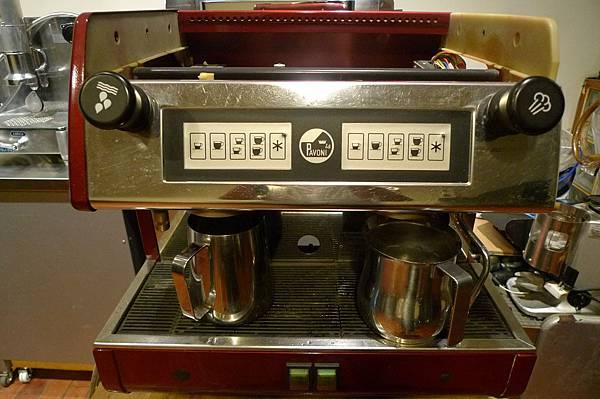待嫁咖啡機 la pavoni 2v